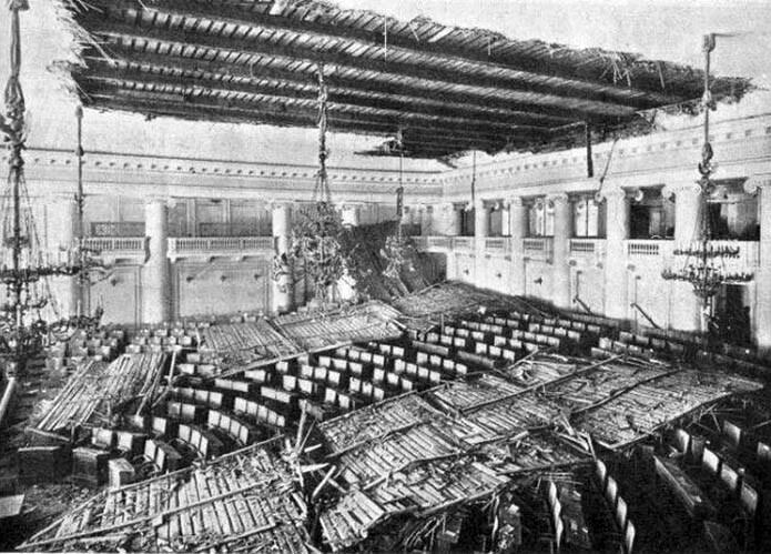 2марта 1907года в5:20 утра взале заседаний Государственной Думы обрушился потолок. Самих депутатов в зале не было. Вовремя ремонта потолок заменили настеклянный купол