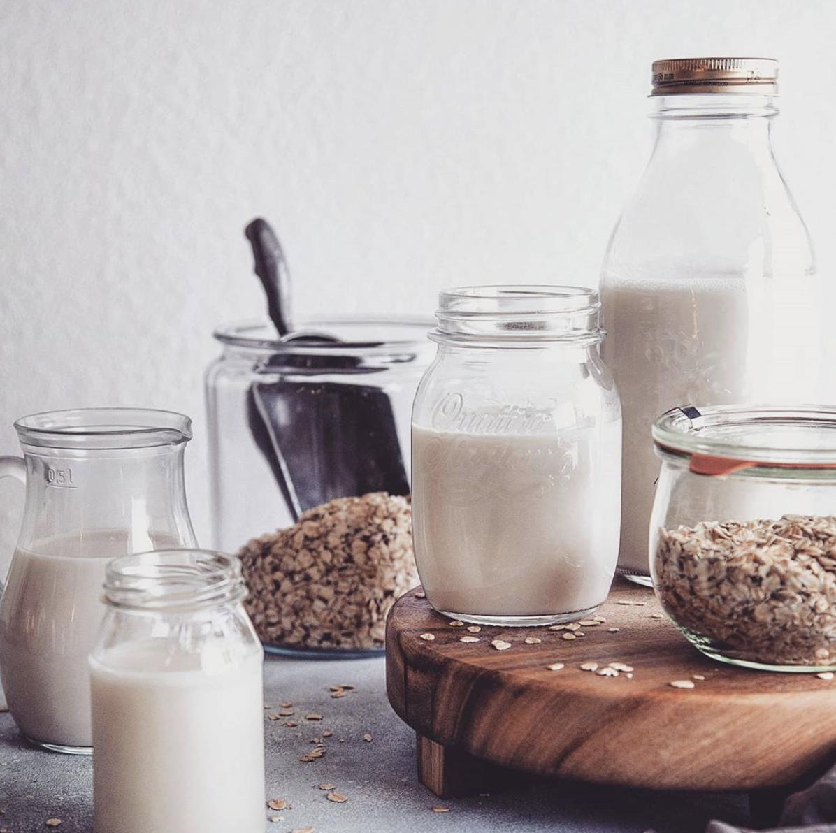 рецепт овсяного молока, рецепт растительного молока, овсяное молоко своими руками