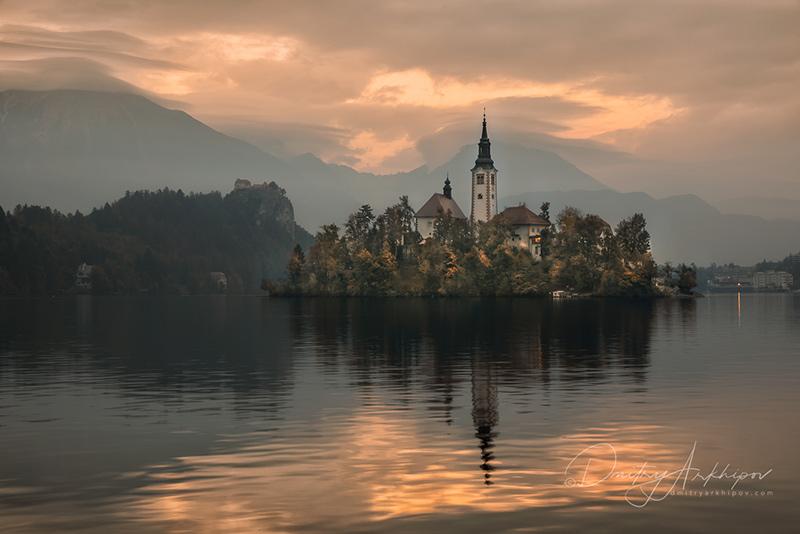 Бледское озеро, церковь