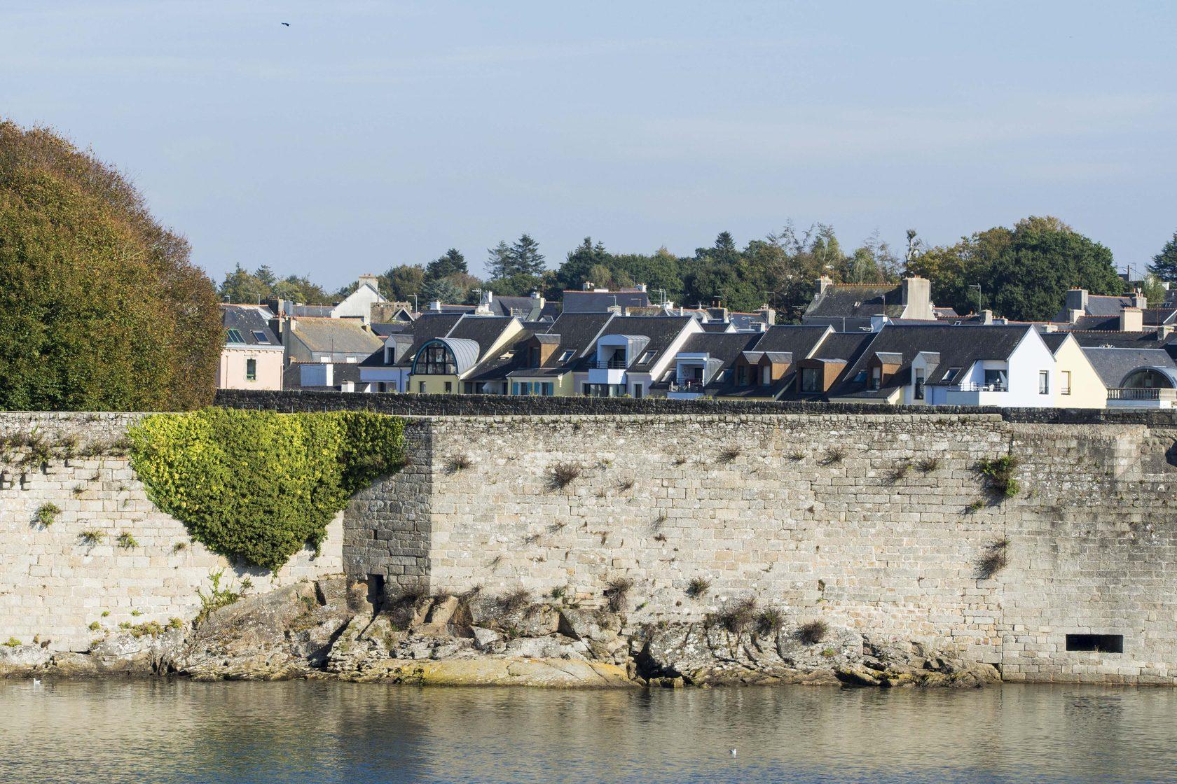 Высотные стены острова Иль дэ Бэль, Франция