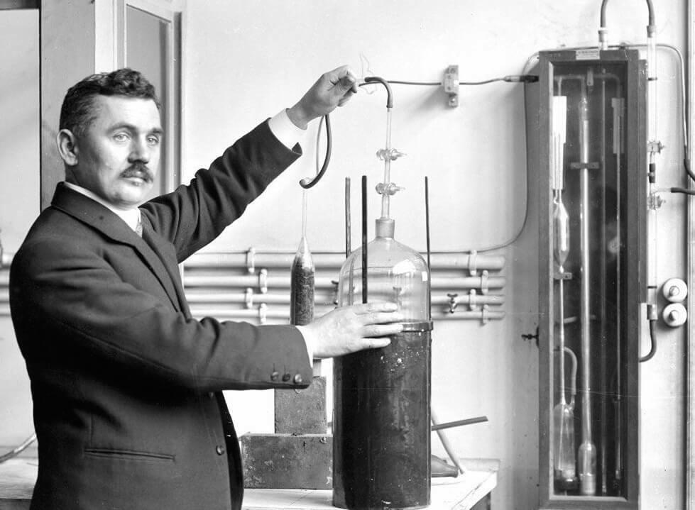 Жорж Клод изобретатель неоновых вывесок