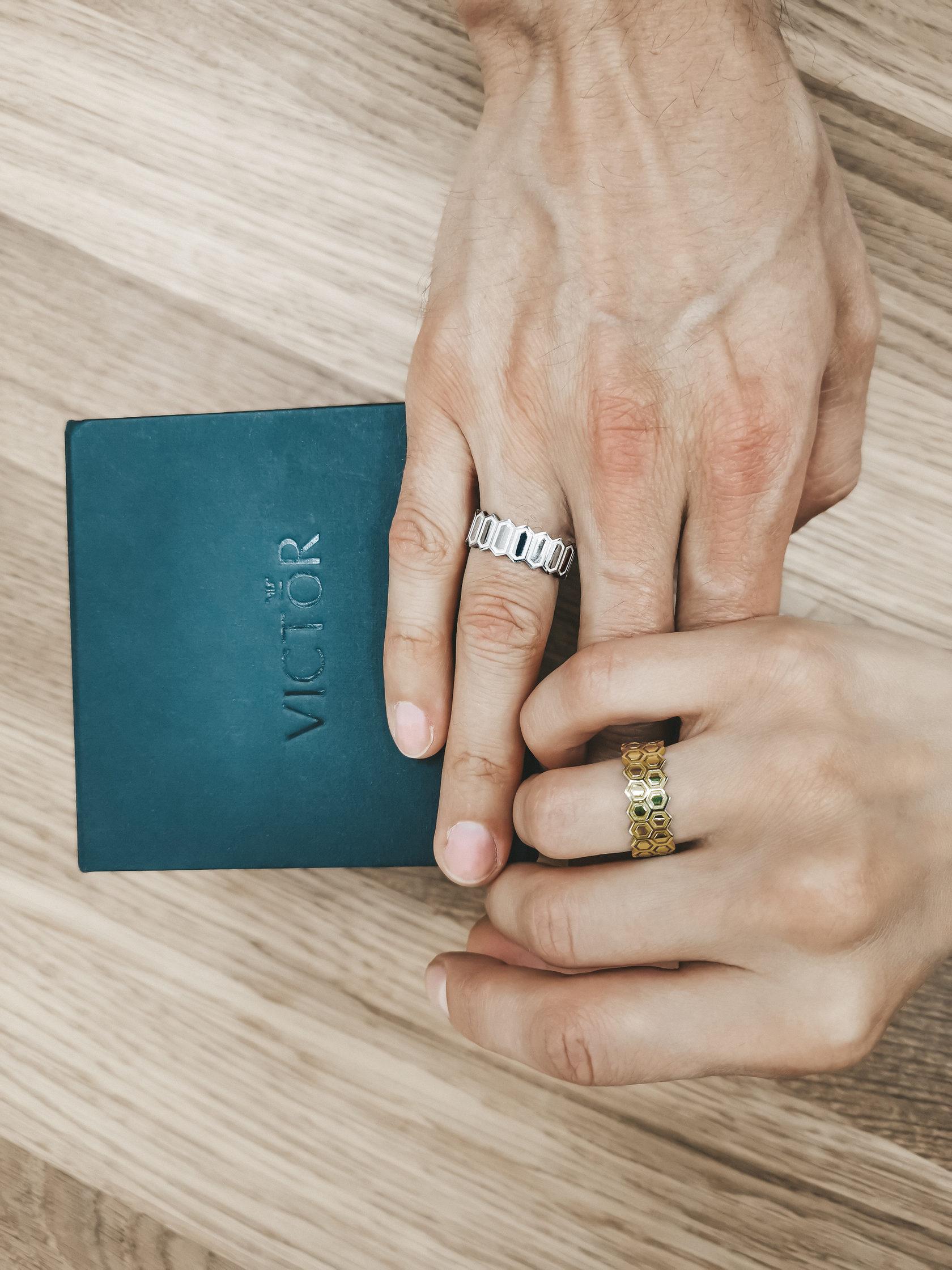 Дизайнерские обручальные кольца из белого и желтого золота отзывы