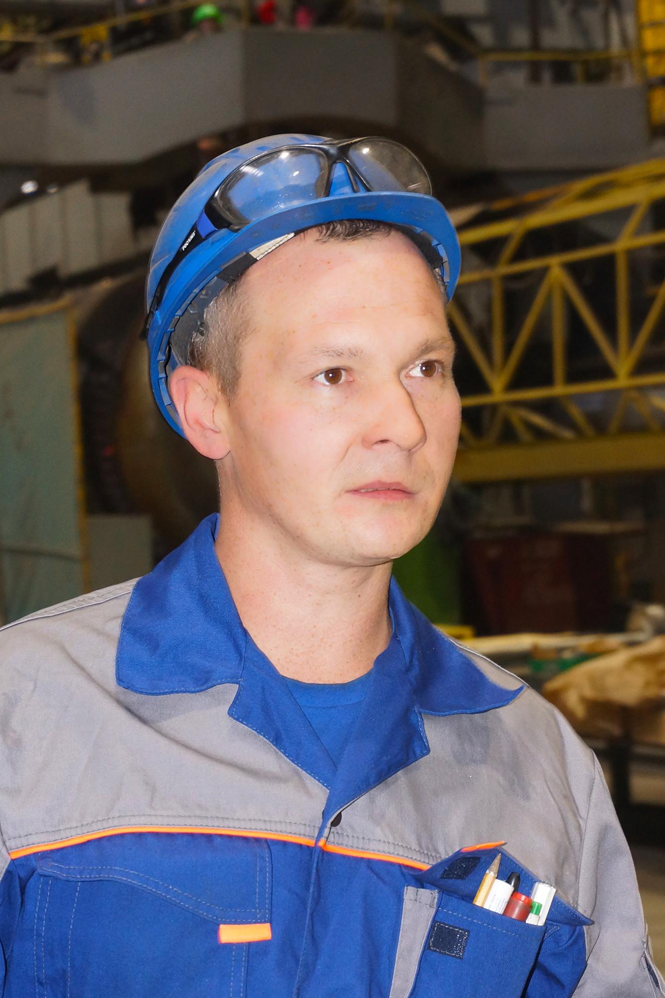 <strong>Сергей Муравлев, бригадир слесарей механосборочных работ цеха №34.</strong><br /> На «Ижорских заводах» с 2003 года.<br />