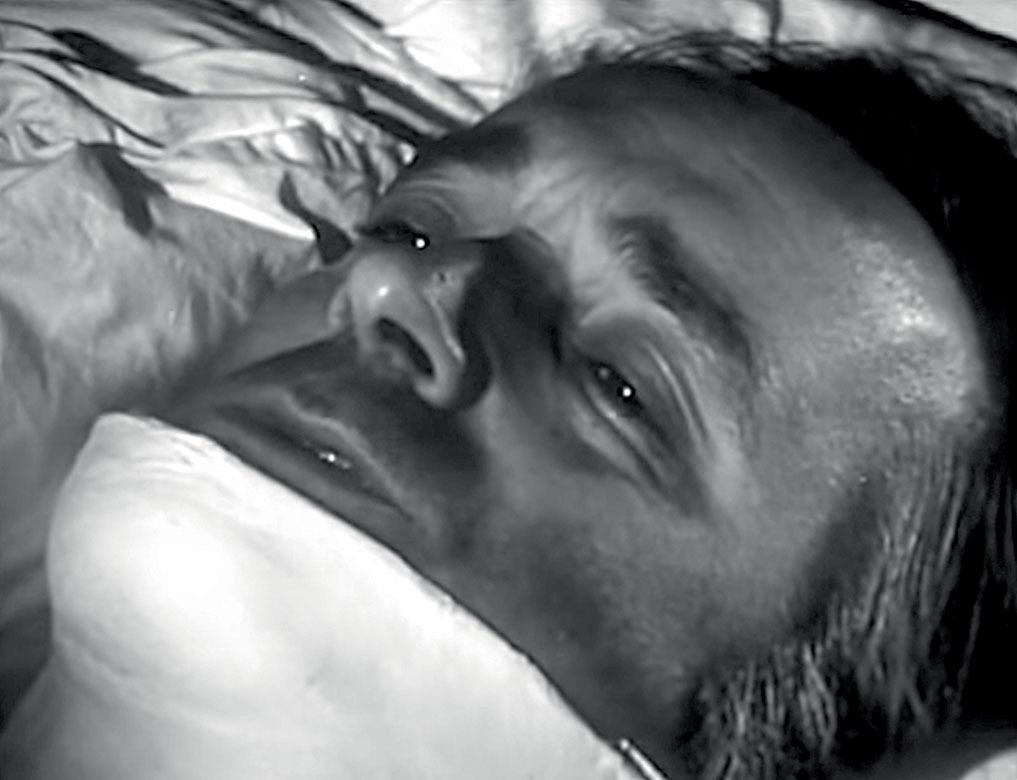 Валентин Гафт в роли парализованного младшего лейтенанта