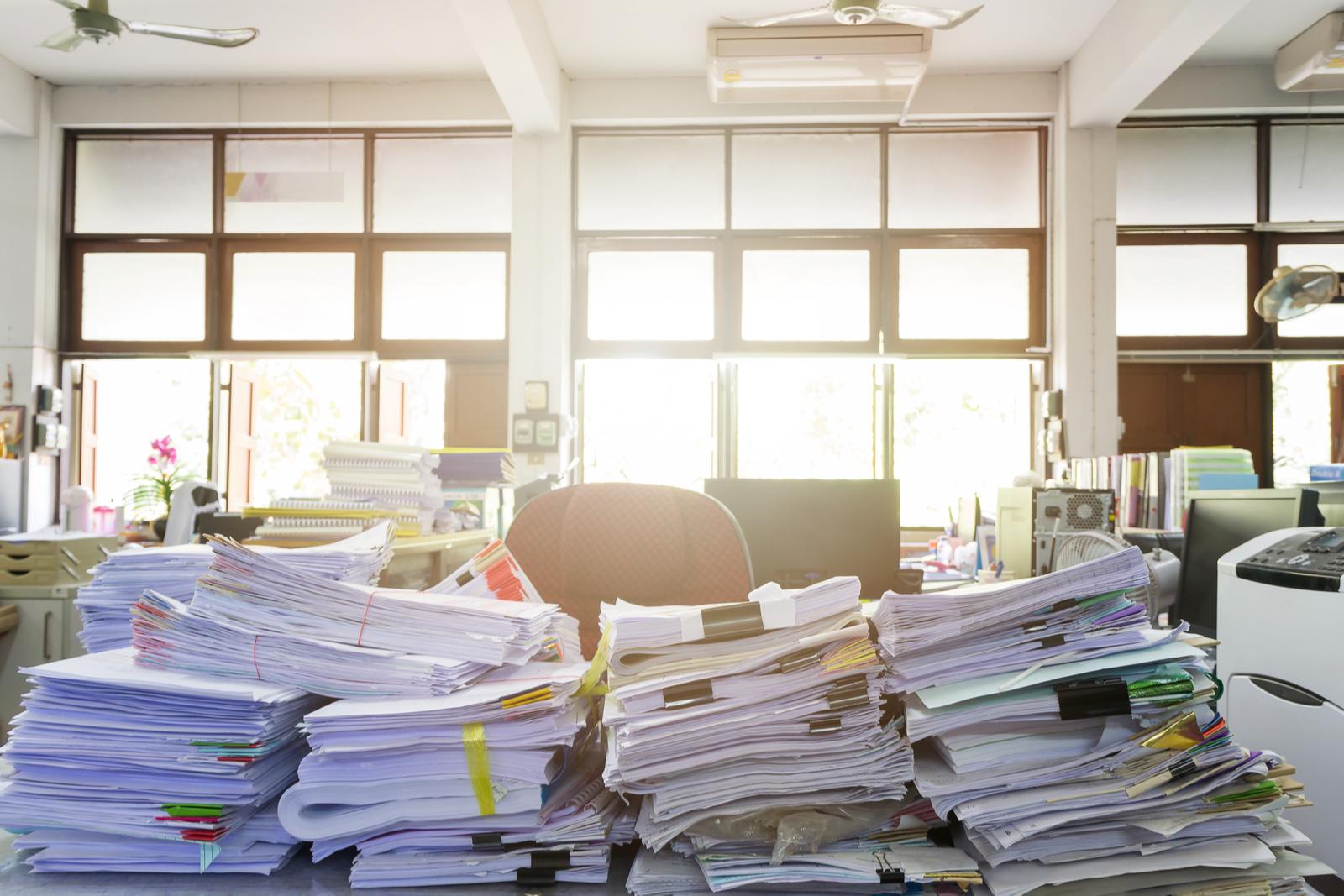 качественного удаления стол с бумагами картинки непростых условиях сегодняшнего
