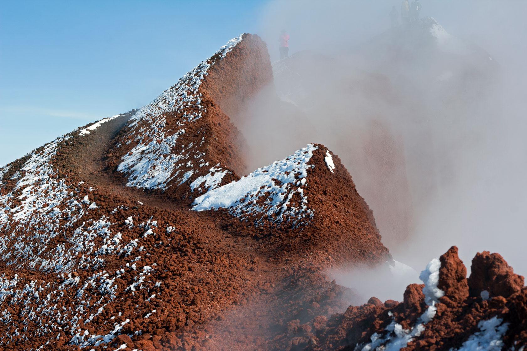 Марсианские тропы. Кратер вулкана Авачинский.