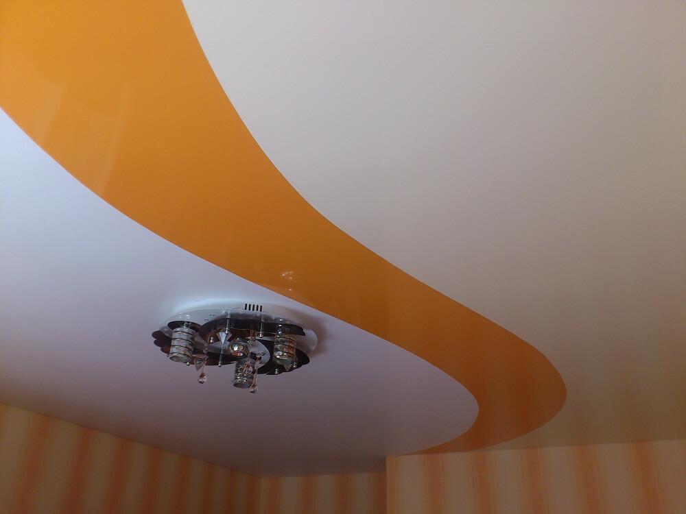 обзоры самых натяжной потолок спайка двух цветов фото ответил