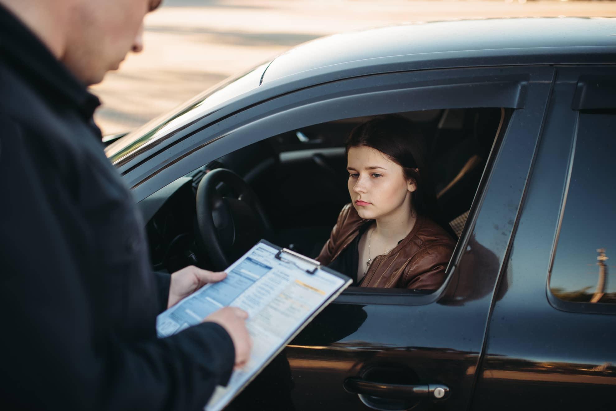 При рассмотрении дел о нарушении правил парковки возле остановок маршрутного транспорта обязательным является измерение дистанции. Адвокат Запорожье. Линия права
