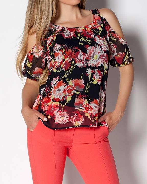 Дамска блуза от черен шифон на цветя с голи рамене.