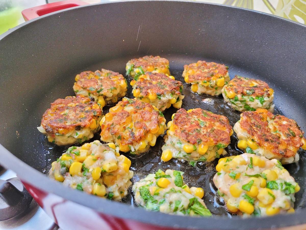 Котлеты по-азиатски: семга (лосось) и кукуруза. Блог Вкусный Израиль.