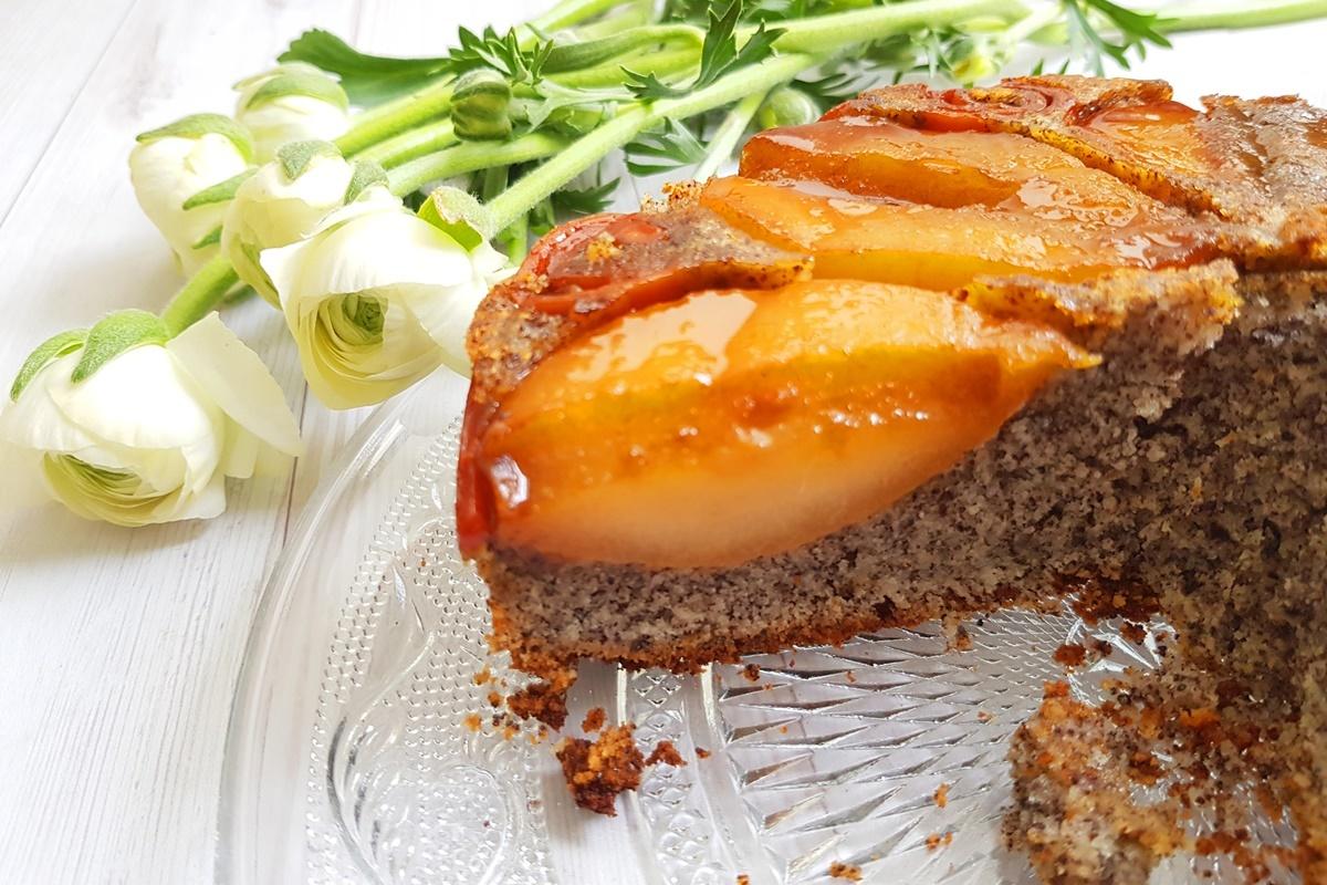Маковый пирог (кекс) с грушами и морковкой в карамели. Блог Вкусный Израиль. Рецепт с фото.