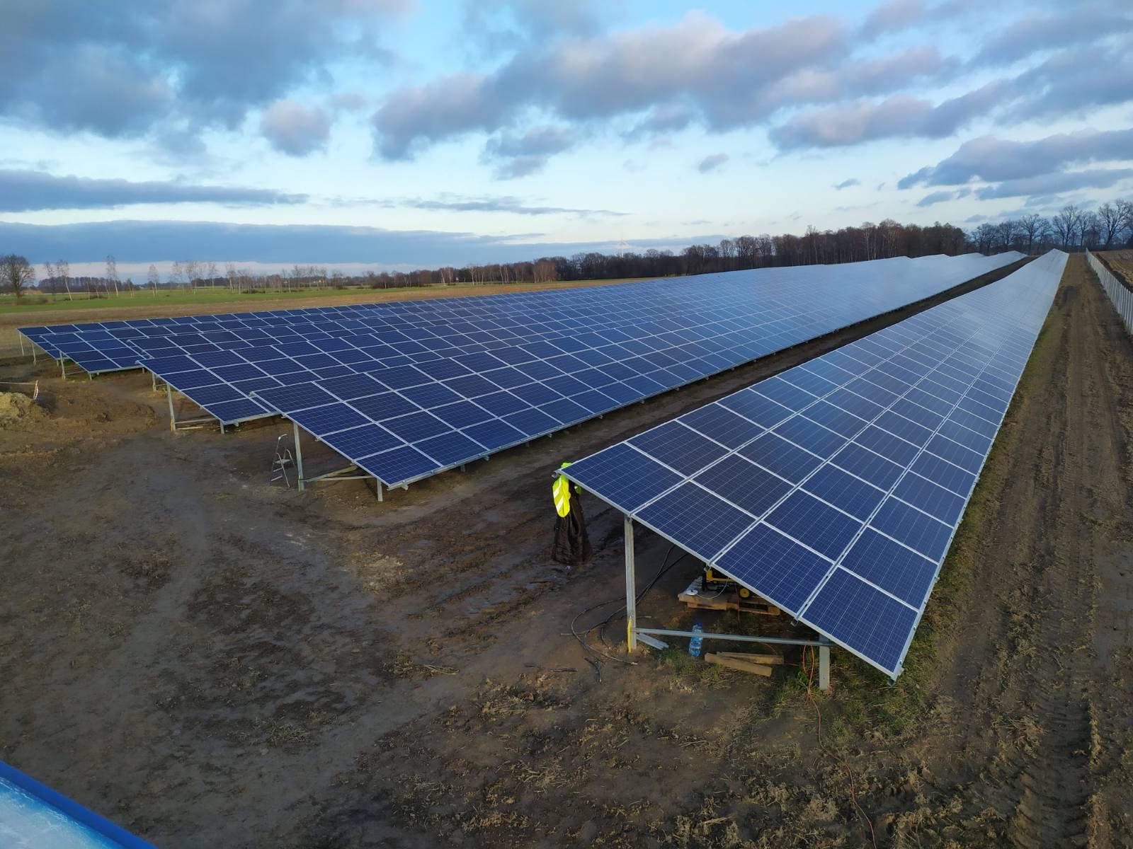 Jak działa optymalizator mocy paneli słonecznych?