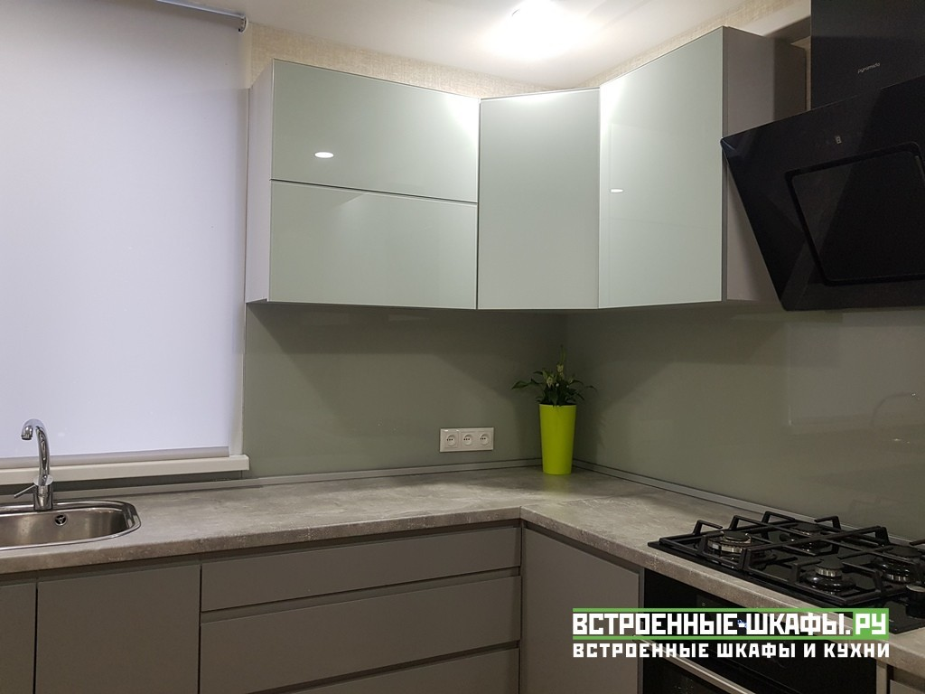 Угловая кухня МДФ эмаль с интегрированными ручками