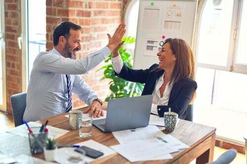 Помните, что счастливый клиент легче расстается с деньгами.