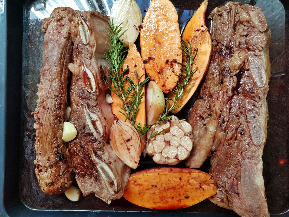 Говяжьи ребрышки (асадо) в духовке с вином и медом. Израильская кухня.