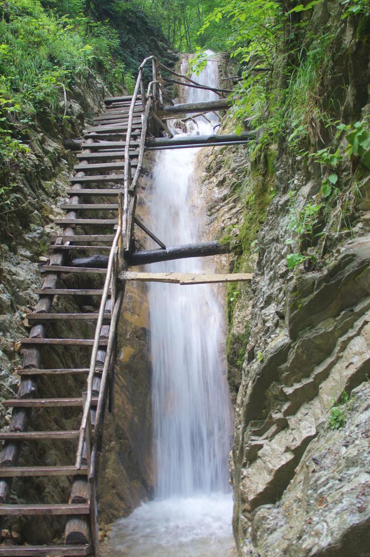 Серебряные водопады в Туапсинском районе, обзор экскурсии