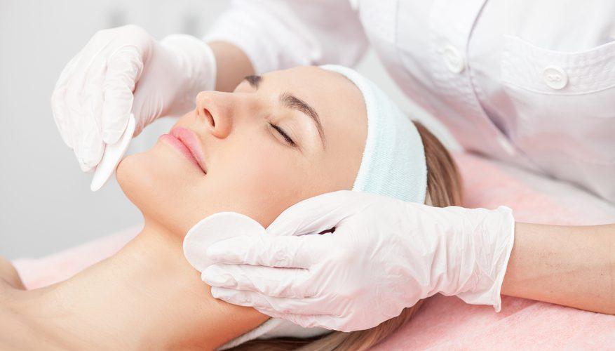 <strong>Знижка 50% на ультразвукове і механічне чищення обличчя</strong><br />