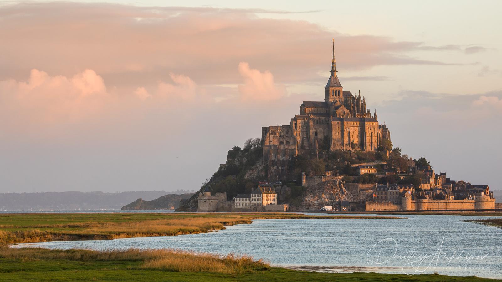 Раннее утро в Бретани, Монт-Сен-Мишель