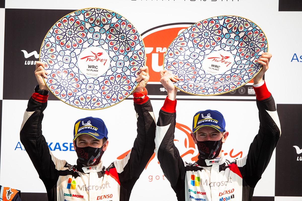 Победители ралли Турция 2020 Элфин Эванс и Скотт Мартин (Toyota Gazoo Racing WRC)