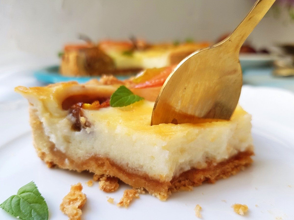 Чизкейк с йогуртом, сливками, яблоками и инжиром. Подробный рецепт. Вкусный Израиль.