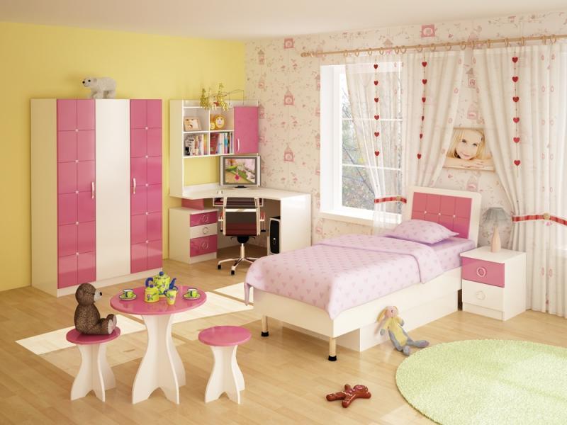 Детская комната в розовой цветовой гамме