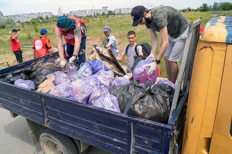 партия шария херсон уборка мусора - фото