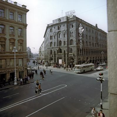 Здание будущего отеля в 1960-х
