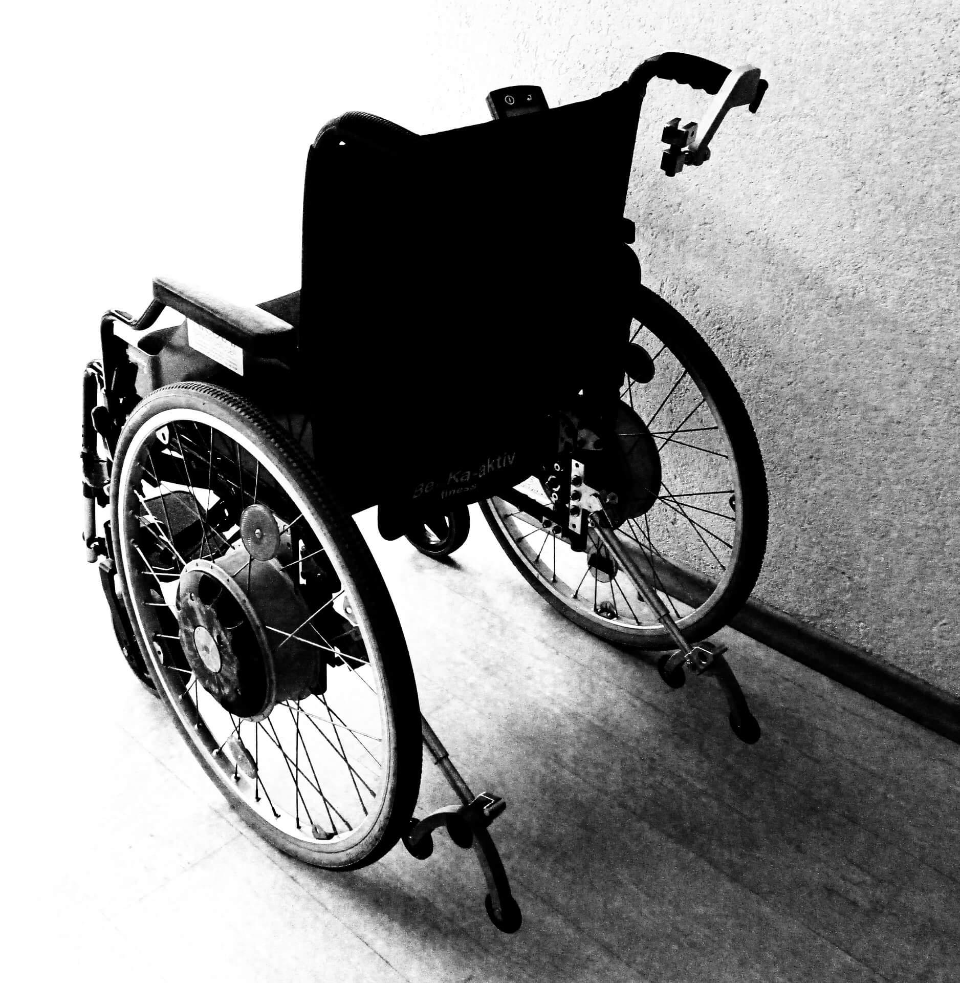 Активисты Житомирской ячейки «Партии Шария» закупили продукты для человека с инвалидностью
