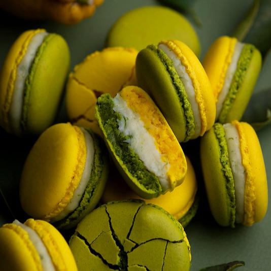 Macaron au citron vert et à l'estragon