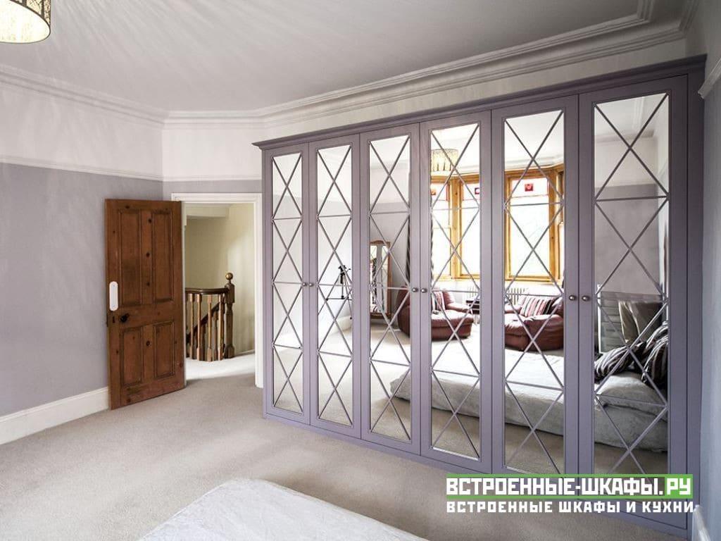 Корпусный шкаф в спальню со стильным дизайном