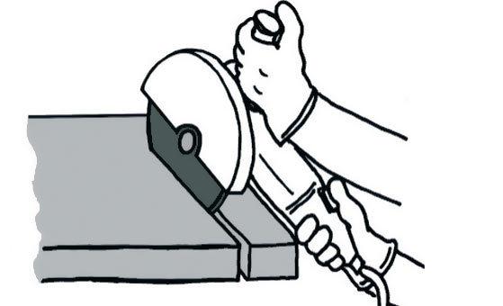 Всегда держите отрезной круг прямо под углом 90 градусов и не поворачивайте его во время работы.