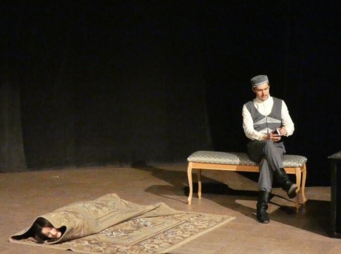 Сцена из спектакля «Аршин Мал Алан» У.Каджибекова