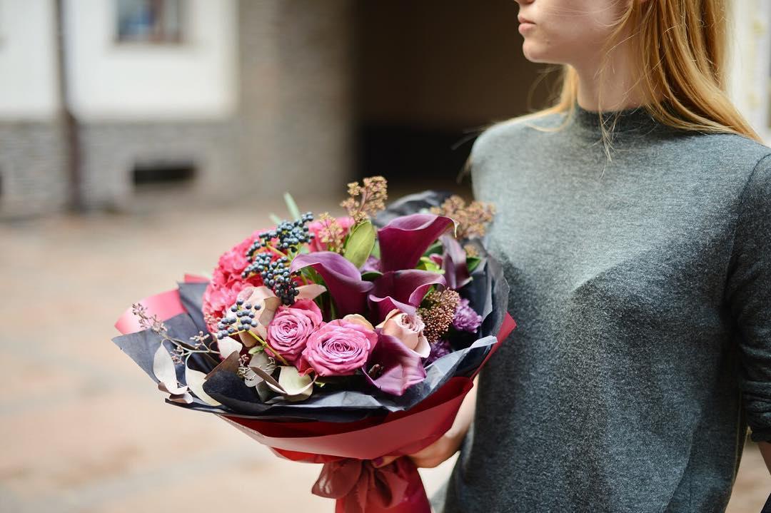 На день рождения полагается дарить букет 40, букеты ирисами розами