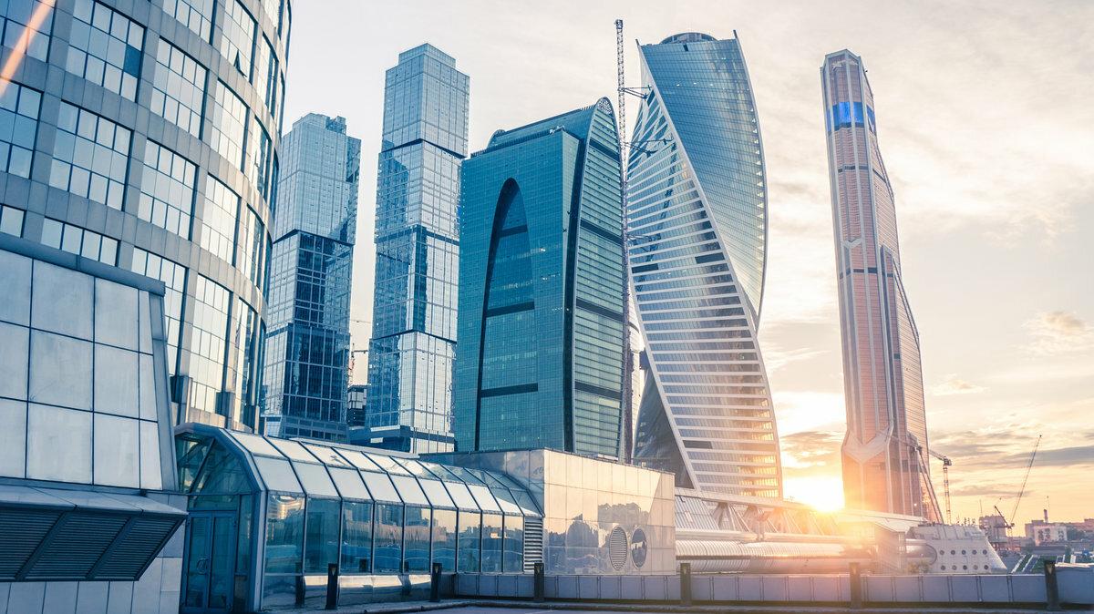 Стеклянные небоскрёбы Москва-Сити