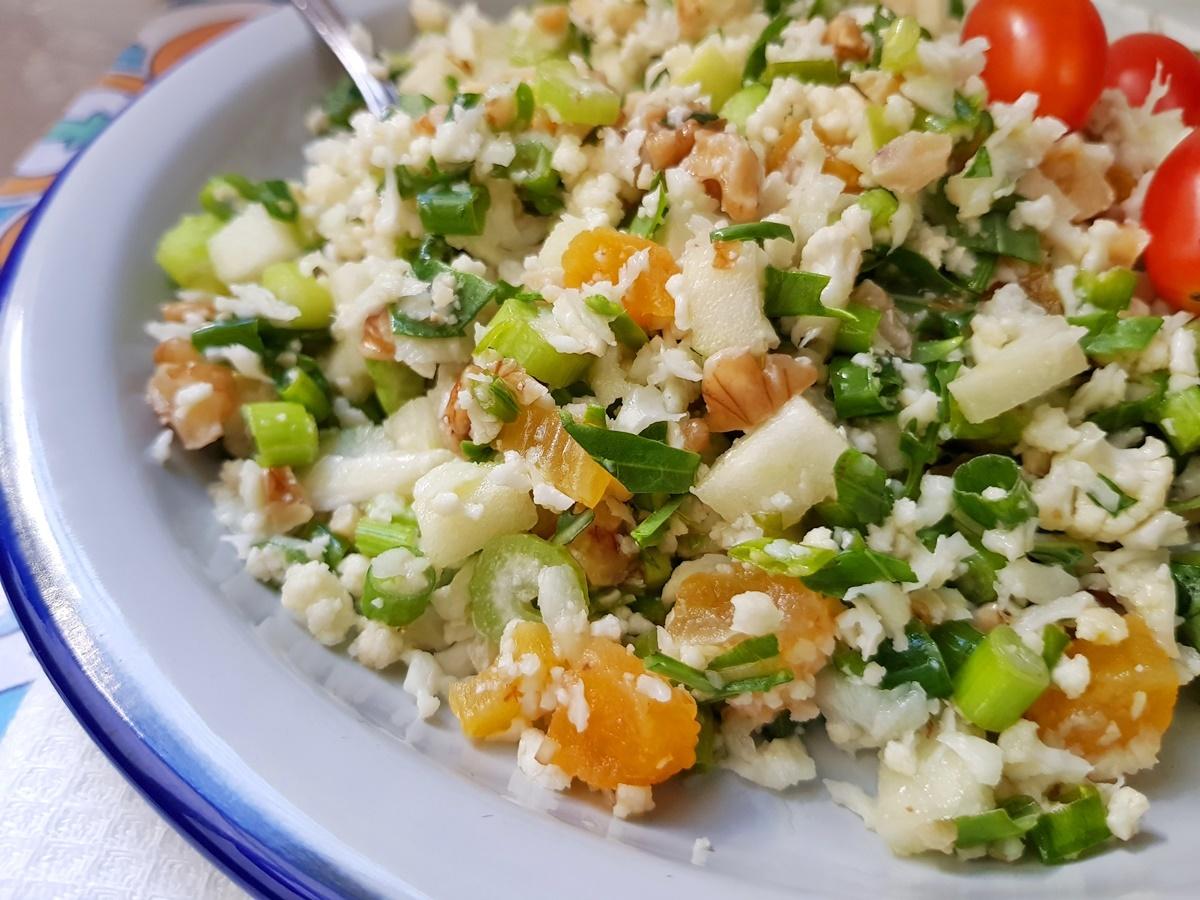 Салат табуле цветная капуста. ПП - очень вкусный, свежий, питательный и полезный салат. Фото трецепт.