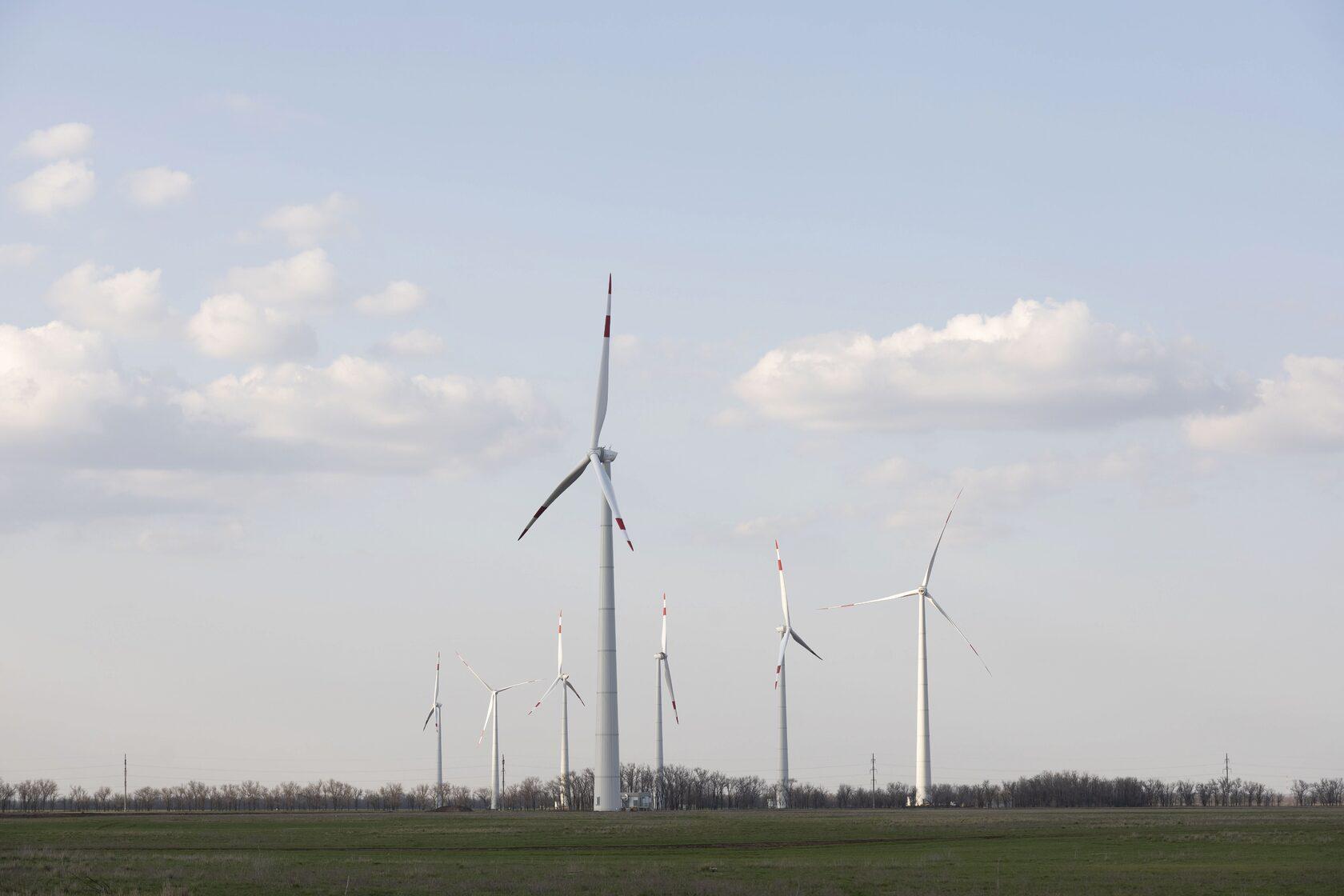 Строительство первого ветропарка Росатома в Ростовской области вышло на финальную стадию