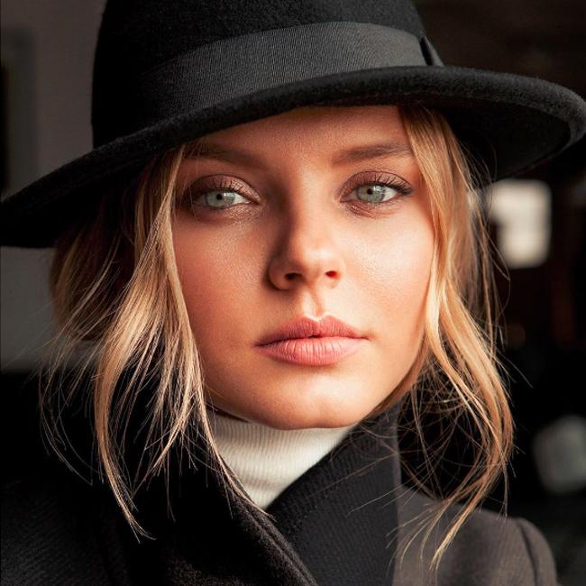 Полезная девушка модель контрольная работа заработать моделью онлайн в георгиевск