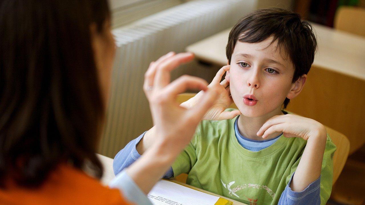 Занятия с психологом в детском саду Изумруд