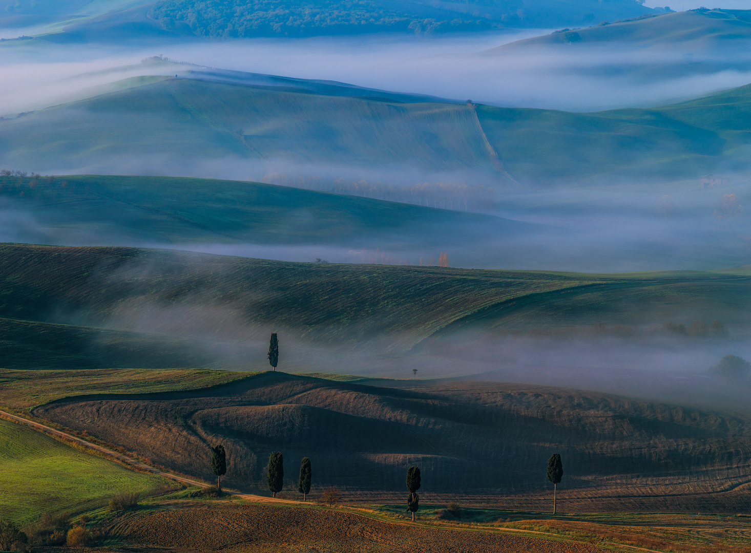 Autumn fogs in the Tuscany