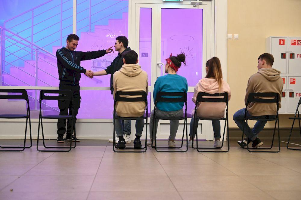 «Всем кого касается», автор Дана Сидерос, режиссер Ринат Ташимов