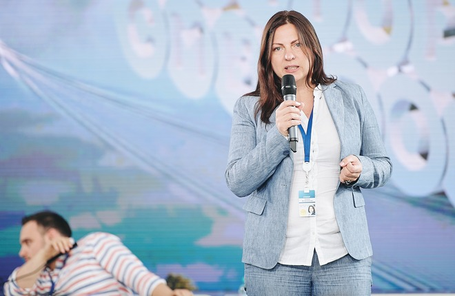 """Коммерческий директор компании-оператора «Платона» Елена Игнатенкова подчеркнула, что информация, собранная """"Платоном"""", может быть полезна как для государства, так и для бизнеса (Росмол)"""