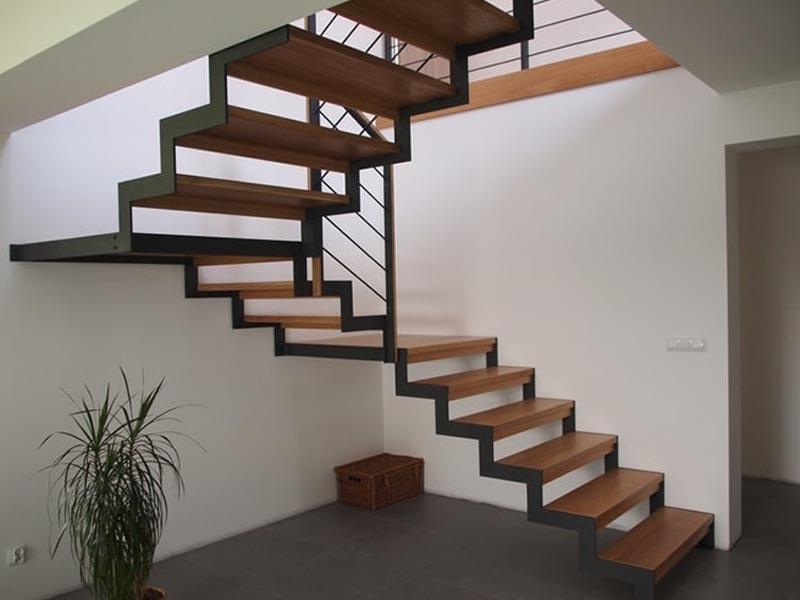 тройничке лестницы на металлическом каркасе фото расскажите