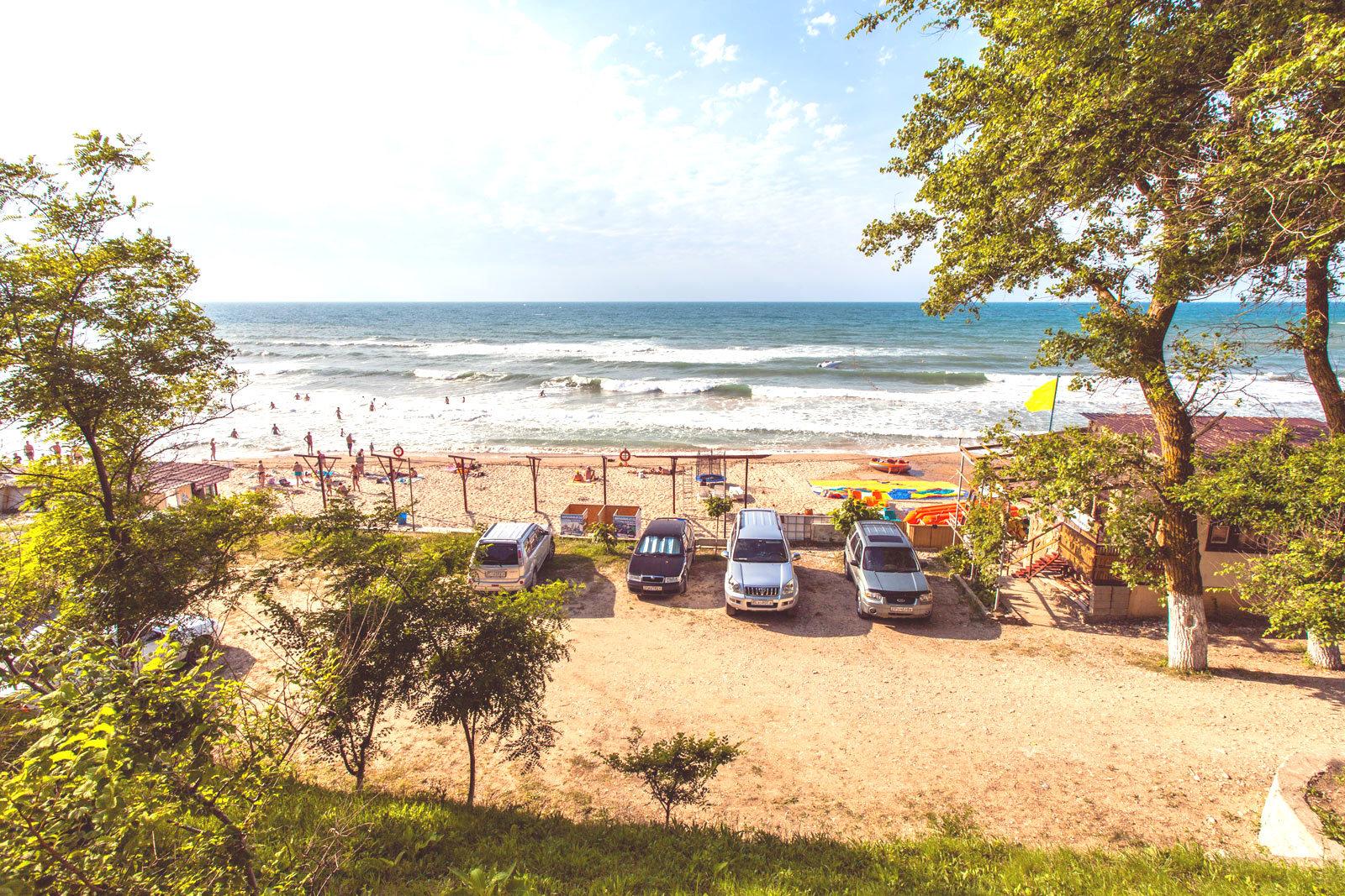 Пляж Золотой берег в Лермонтово
