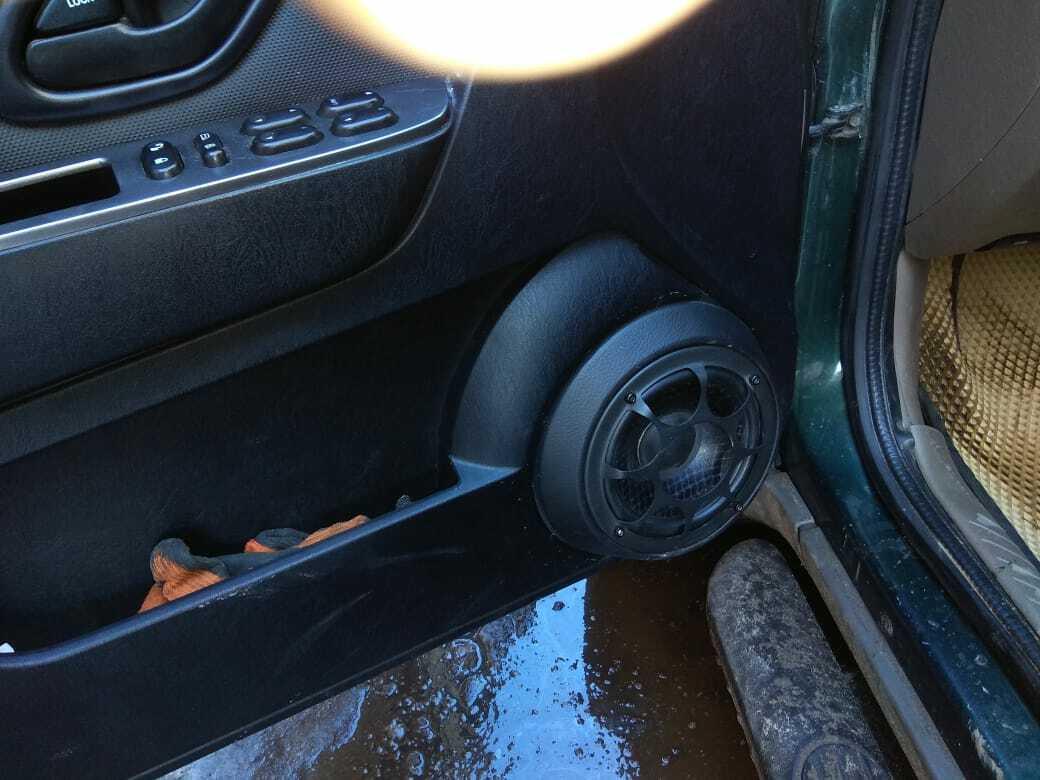 подиумы в в дверях в форд маверик