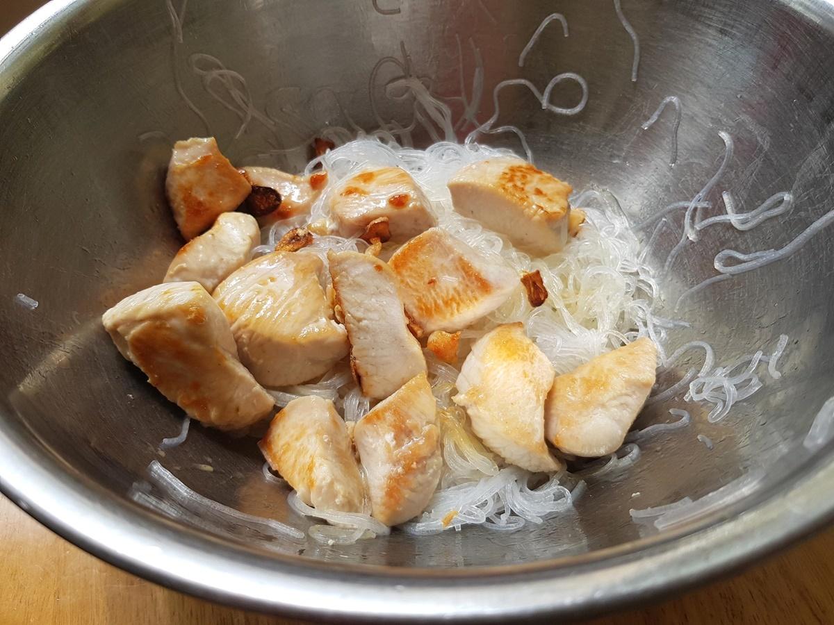 Салат с курицей и фунчозой. Вкусный Израиль. Фото рецепт.