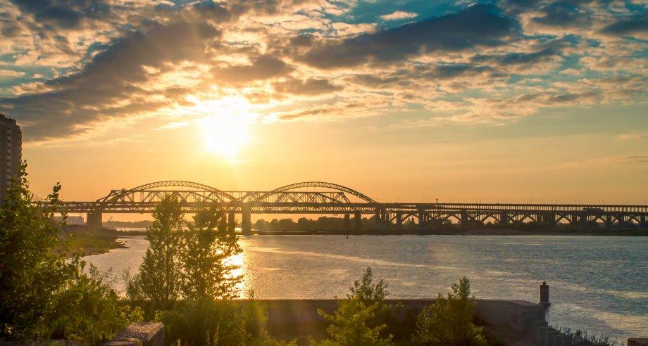 Второй Борский мост является двухполосным, по нему предусмотрено одностороннее автомобильное движение в направлении г. Бор (фото: Wikipedia)