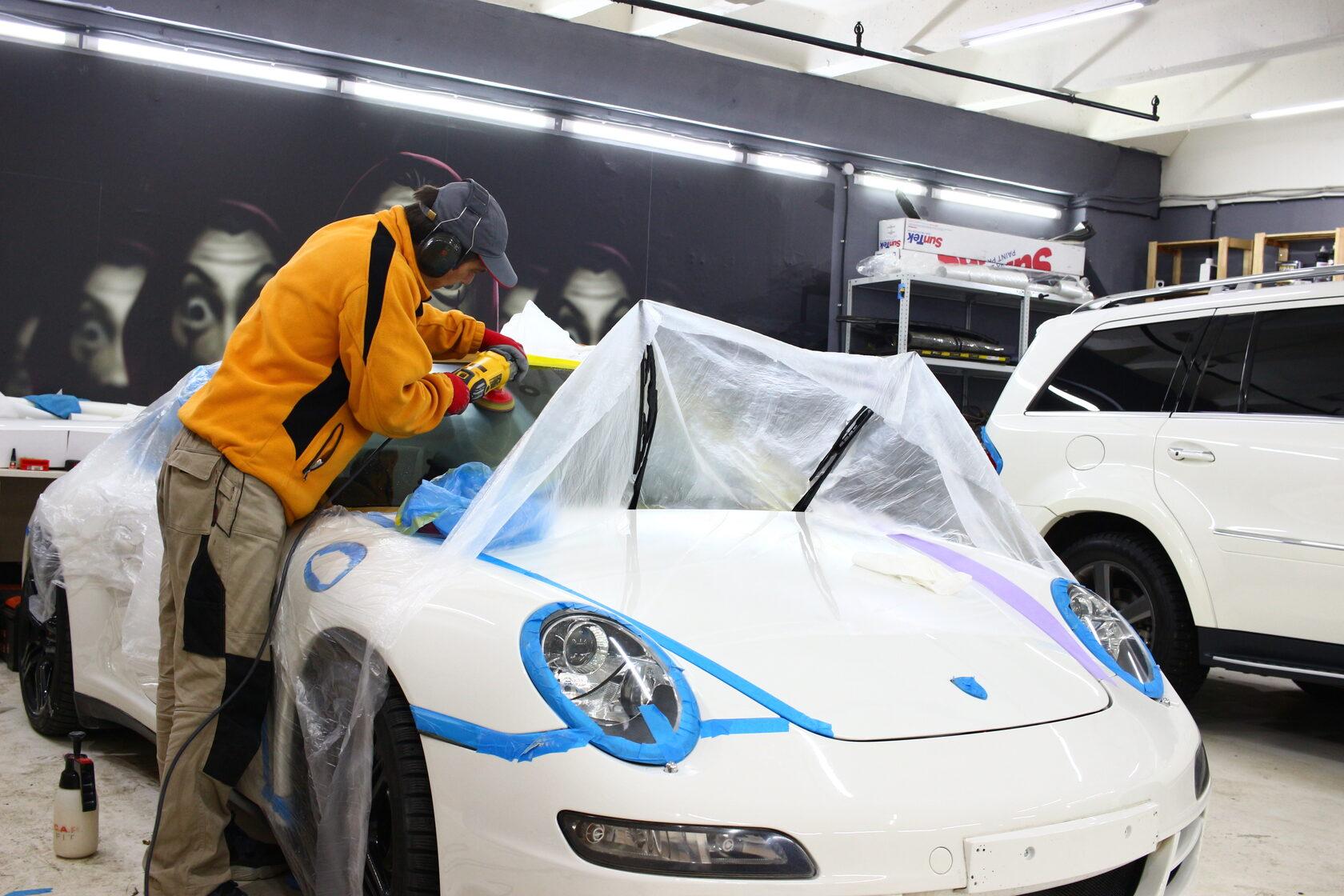 Porsche 911 Carrera 4S, порше 911, детейлинг, реставрация, покраска кожи, полирвока фар, детейлинг центр москва, полировка лобового стекла