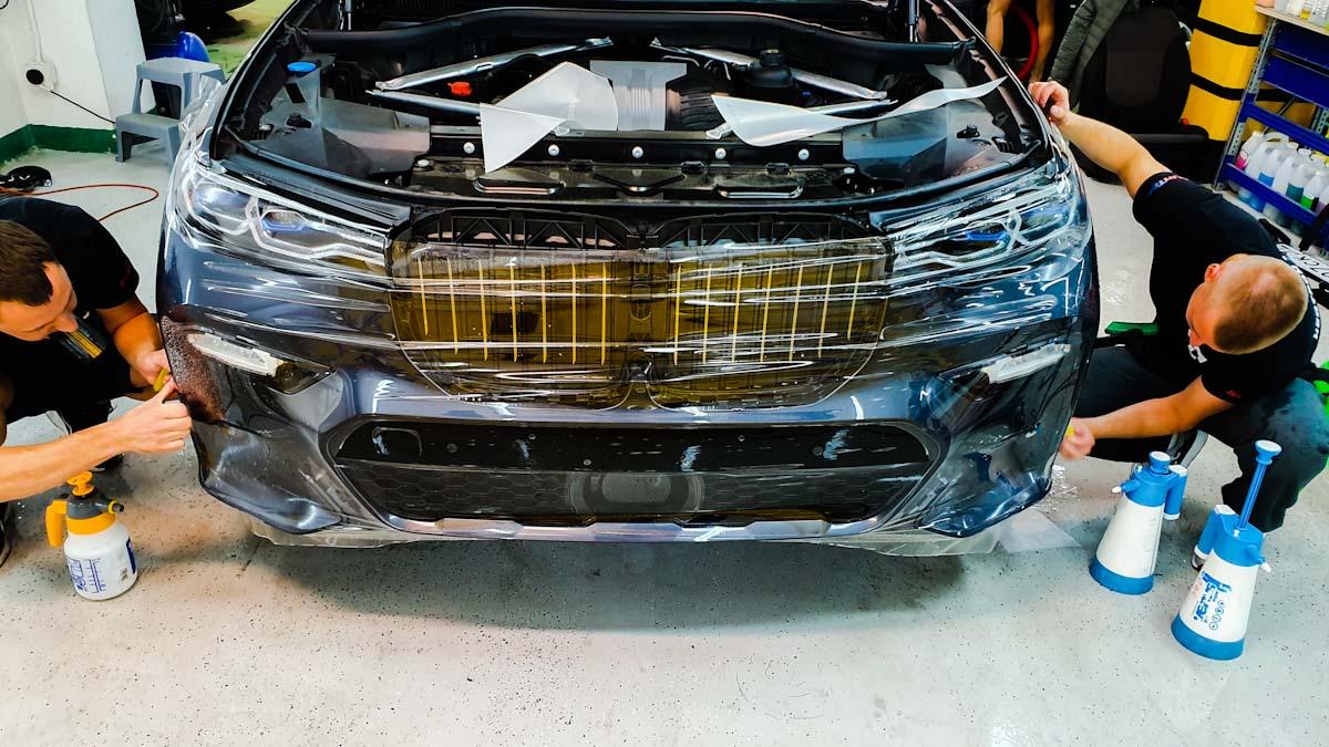 Бронирование полиуретановой пленкой бампера BMW