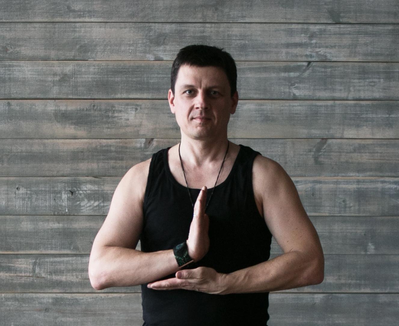 energetichna-sila-grudey-foto-golih-taksi-onlayn