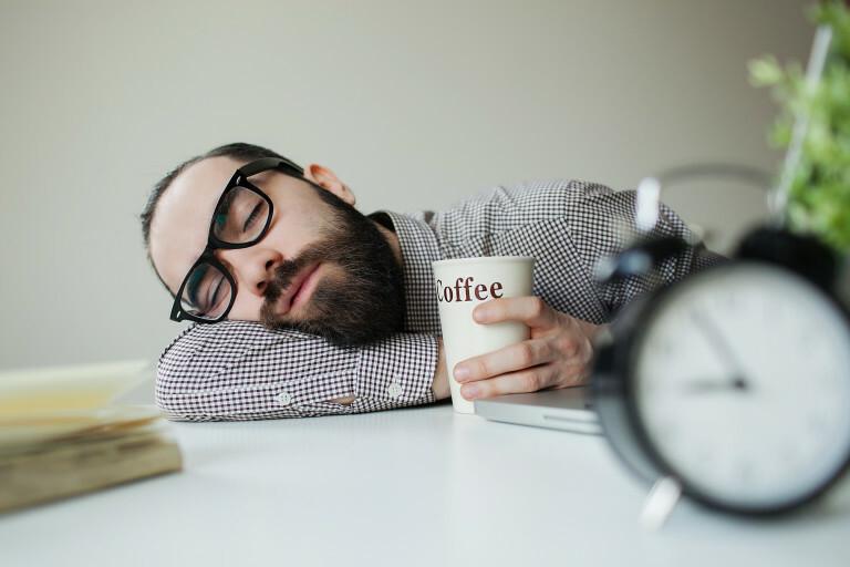 болит голова после кофе
